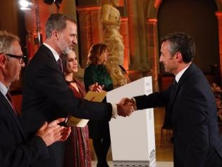 Cristobal recoge premio
